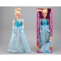 """Куклу из серии """"Принцессы Диснея"""" от производителя Simba. 95 см рост."""