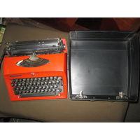 Печатная машинка механическая ADLER Германия.