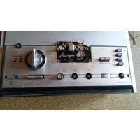 Магнитофон бабинный Астра из СССР