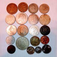 Монеты разных стран мира с рубля.
