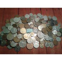 С рубля! Остатки, сборный лот. Чуть более 150 монет, без СССР, УК и РФ (лот#1С).