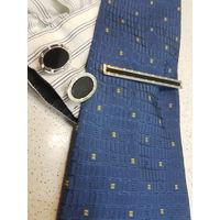 Набор запонок и заколки для галстука