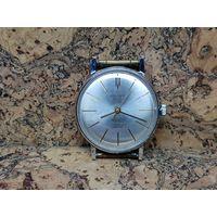 Часы Poljot de luxe,ультра тонкие,редкие.Старт с рубля.