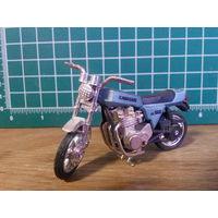 Модель мотоцикла Kawasaki KZ 1000 в масштабе 1:24