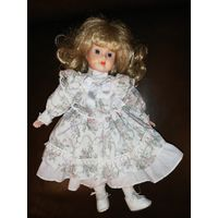 Кукла винтажная фарфор.