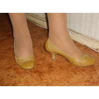 Новые очень удобные туфли 37 размера