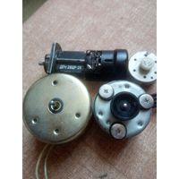 Электродвигатель дп-1 26цр-2к 27в 7000об/мин ссср, дп40-0.16-2-9 ссср