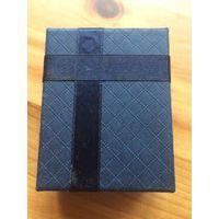 Коробка подарочная, идеально подойдет для ювелирных украшений. Красивая коробка, отличного качества бумага. Размер 8 на 6 см, высота 3 см.