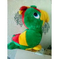 Меховая игрушка попугай