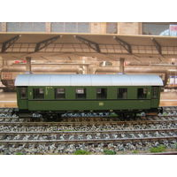 Пассажирский вагон (85801) PIKO. Масштаб НО-1:87.