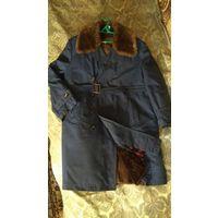 Пальто- плащ мужское на натуральном меху из цигейки, р. 54, Венгрия