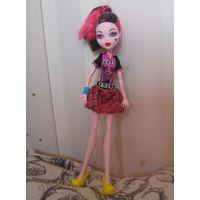 Кукла Дракулаура Монстр Хай в одежде и обуви