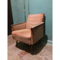 Кресло винтажное под реставрацию