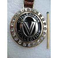 Жетон. VV Collection со стразами на ремешке (тяжёлый)