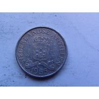 Нидерланд. Антиллы 2,5 цента 1985г  распродажа