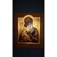 """Икона """" Владимрская Б.М."""" 19 век. Размер : 26,5 на 31 , доска тяжелая."""