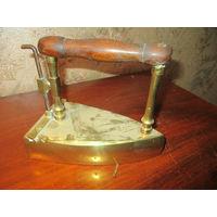 Старинный бронзовый утюг Бронза угольный жаровой литьё Германия 1910 АРТ 12-63