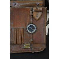 Кожан.планшет с полёткой на латунной фурнитуре,латун.компасом по родне и лёзвиями изгот.в Германии.