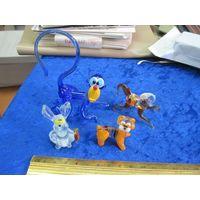 Четыре зверька-миниатюры из цветного стекла вместе с рубля!