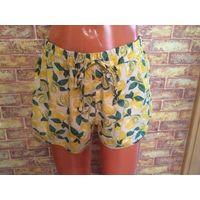 Клевые лимонные шорты от Atmoshere на 42-44 размер. Легенькие и красивые, полиэстер, на ощупь очень приятный. Длина 31 см, талия в нерастянутом состоянии 37 см, широкая резинка, отлично тянется до 48