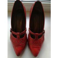 Красные туфли МАРКО