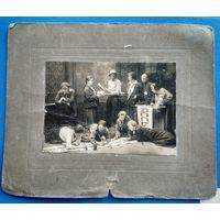Фото  из СССР. Комсомольцы из группы агитации за подготовкой мероприятия. 1925 г. На паспарту.