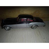 Винтаж.Bentley Continental .Corgi Toys. Original.1/43.