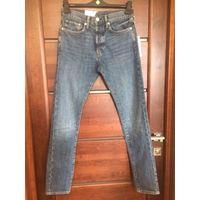 Джинсы H&M мужские зауженные 28 размер. На болтах. Новые. Покупала за границей, но не угадала с размером. Клевые джинсы. Длина 104 см, ПОталии 40 см, ПОберед тянется от 49 до 53 см, ПОноги в середине