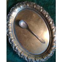 Старинная ложечка ложка для сахара бронза декорация Европа