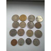 Монеты разные.