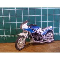 Модель мотоцикла в масштабе 1:24
