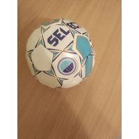 Сувенирный мяч одного из крупнейших в Европе детско-юношеского турнира по футболу Helsinki CUP. Почтой не высылаю.