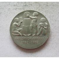 Германия - ГДР 5 марок 1982 200 лет со дня рождения Фридриха Вильгельма Августа Фрёбеля