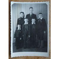 Фото советской семьи. 1960 г. 8.5х12 см.