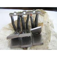 Щётки 6 штук скрпленных вместе размером 25(22)*20*4 мм цена за ДВЕ сборку из 6+6 штук