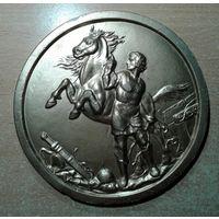 """Барельеф """"Воин с лошадью"""". Гипс."""