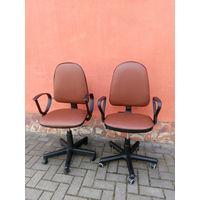 Кресла офисные пара