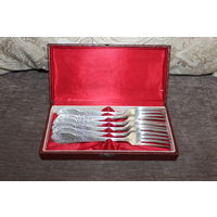Мельхиоровые вилки времён СССР, в коробке, 6 штук. длина 21 см., хорошее состояние.