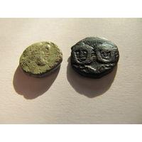 Монеты неизвестные,  одна покрыта лаком