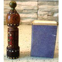 Деревянный флакон от парфюма