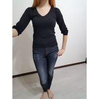 Черный трикотажный свитер
