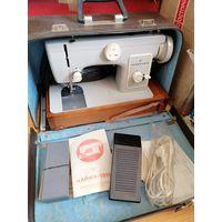 Швейная бытовая машинка ЧАЙКА 132М