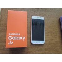 Смартфон Samsung Galaxy J2 состояние идеальное. Продаю с чехлами