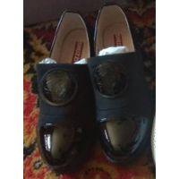 Новые туфли для девочки 33 размер