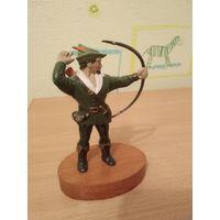 Старая английская фигурка Робин Гуда.(воин,солдат,солдатик). Почтой не высылаю.
