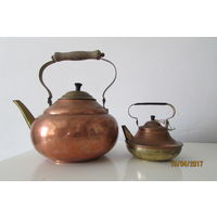 Большой медный чайник  из Голландии 2л Диметр 17 высота 15 см  носик Латунь