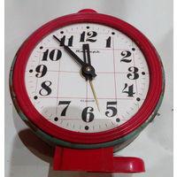 Часы-будильник ЯНТАРЬ на реставрацию
