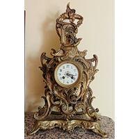 Каминные,бронзовые часы 19 века . Ручная сборка,все элементы конструкции часов стянуты кованными гайками.