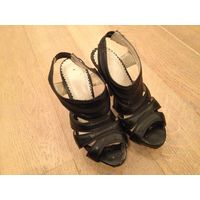 Туфли, босоножки на высоком каблуке. 37 р-р