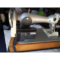 Швейная машина 2М-33 класса. Чайка